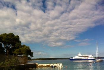 Abfahrt des Katamaran von Hvar Richtung Dubrovnik