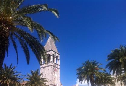 Palmen und Kirchen