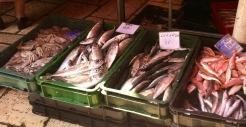 Auf der Suche nach Frühstück am Fischmarkt vorbei ...