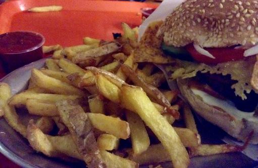 Burger und Pommes, seufz, und dazu noch mit ethisch reinem Gewissen: Paradies!