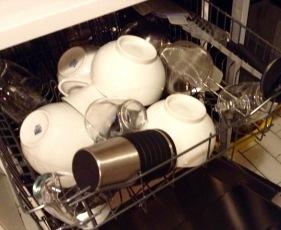 Geschirrspüler ausräumen