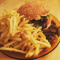 "4. Januar ""Fast Food geht auch in Vegan ganz wunderbar😀"""