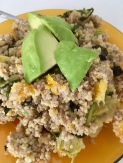 Couscoussalat die zweite aufgepeppt mit Avocado